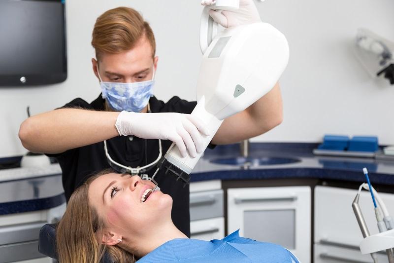 آوسبیلدونگ دستیار دندانپزشک و تکنیسین دندانپزشکی